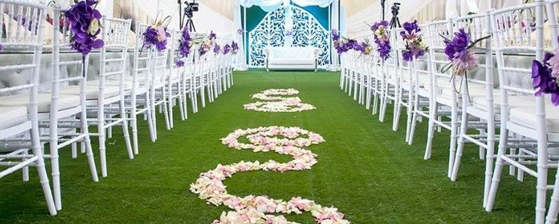 The Benefits of Hiring Grass for Weddings and Functions