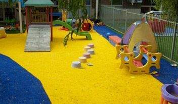 east-ivanhoe-early-learning-centre-synthetic-garden